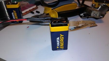 9 voltin DIY paristoneppari