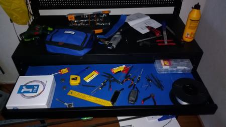 Motonet Mag-Pro Tools metallinen työpöytä
